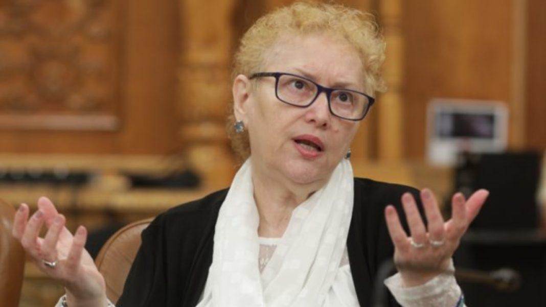 Liderii PNL din Senat și Camera Deputaților au depus cererea de revocare din funcție a Avocatului Poporului, Renate Weber.