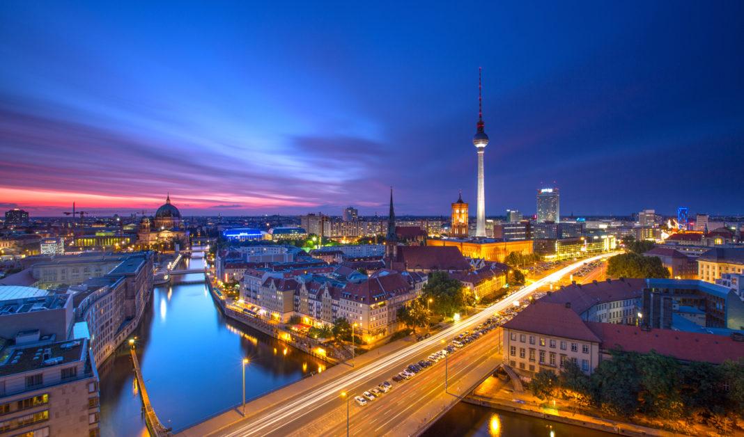 12 români, angajaţi ai unei companii din Berlin, infectaţi cu noul coronavirus