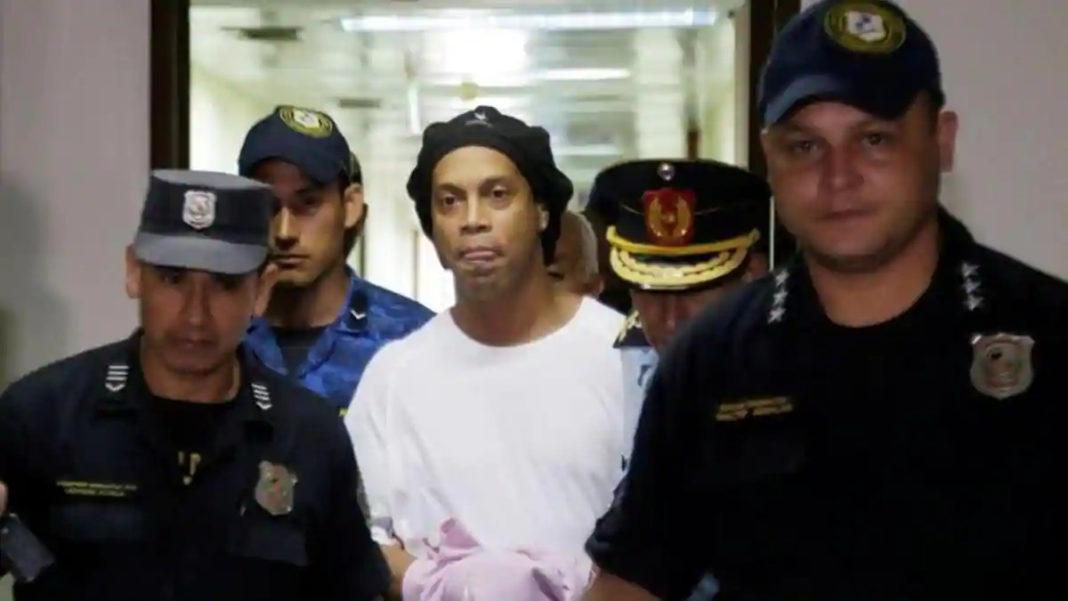 Ronaldinho nu şi-a clarificat încă situaţia