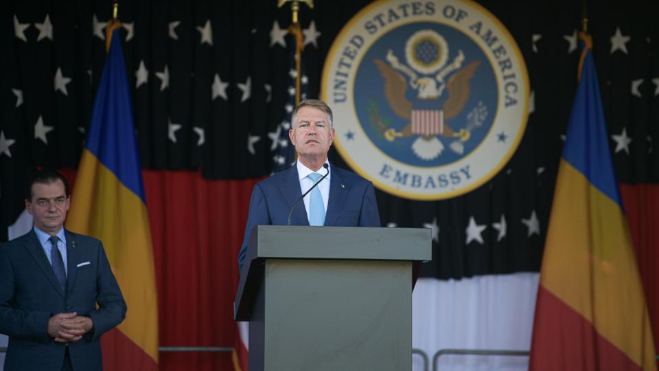 România rămâne puternic angajată în sprijinul unei relaţii transatlantice puternice şi solidare, bazate pe relaţii bilaterale solide între SUA şi partenerii săi europeni
