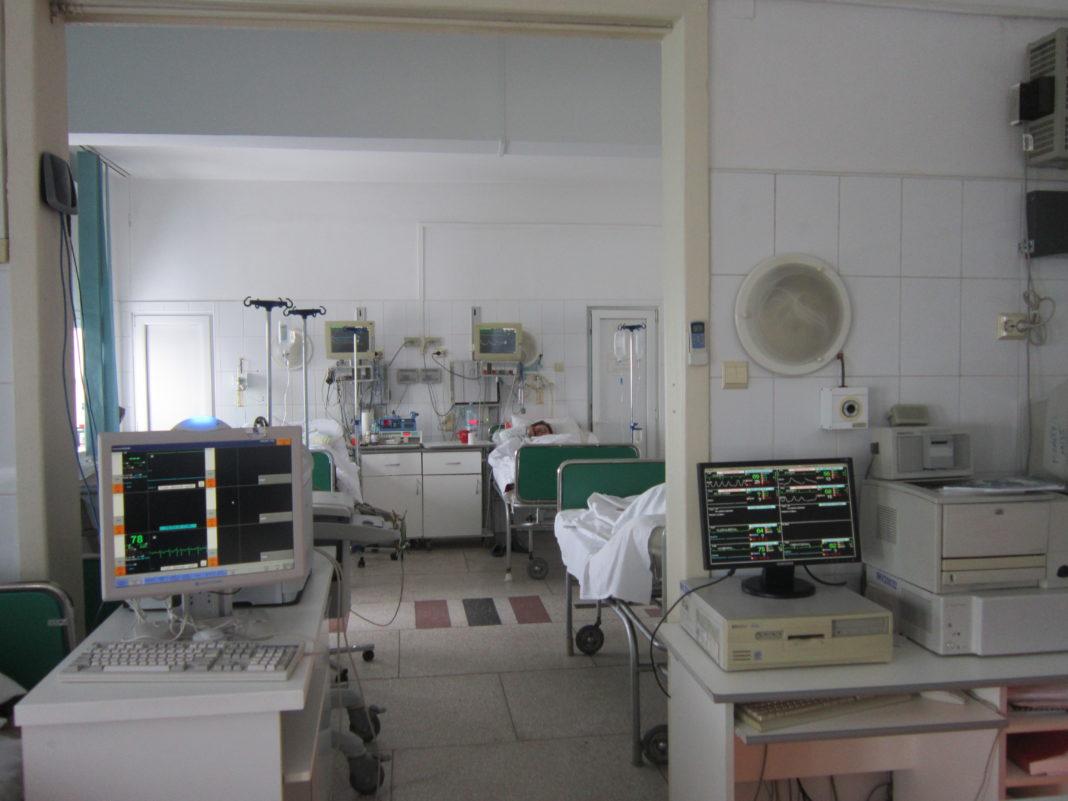 SJU Craiova a raportat, ieri, opt cazuri de infecţii cu noul coronavirus, din rândul personalului. Testele au fost făcute la sfârşitul săptămânii trecute. Patru cazuri sunt la Clinica de Cardiologie.