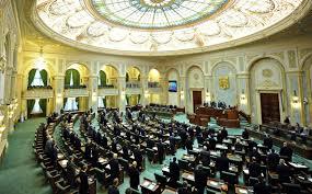 Comisia juridică a Senatului reia dezbaterile asupra proiectului de lege privind carantinarea şi izolarea