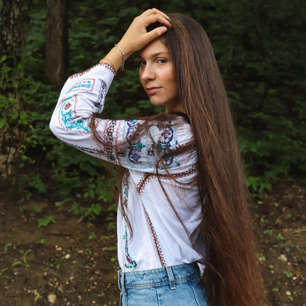 "Gabriela Tobă, eleva de 10 de la Colegiul Naţional ""Elena Cuza"" din Craiova"
