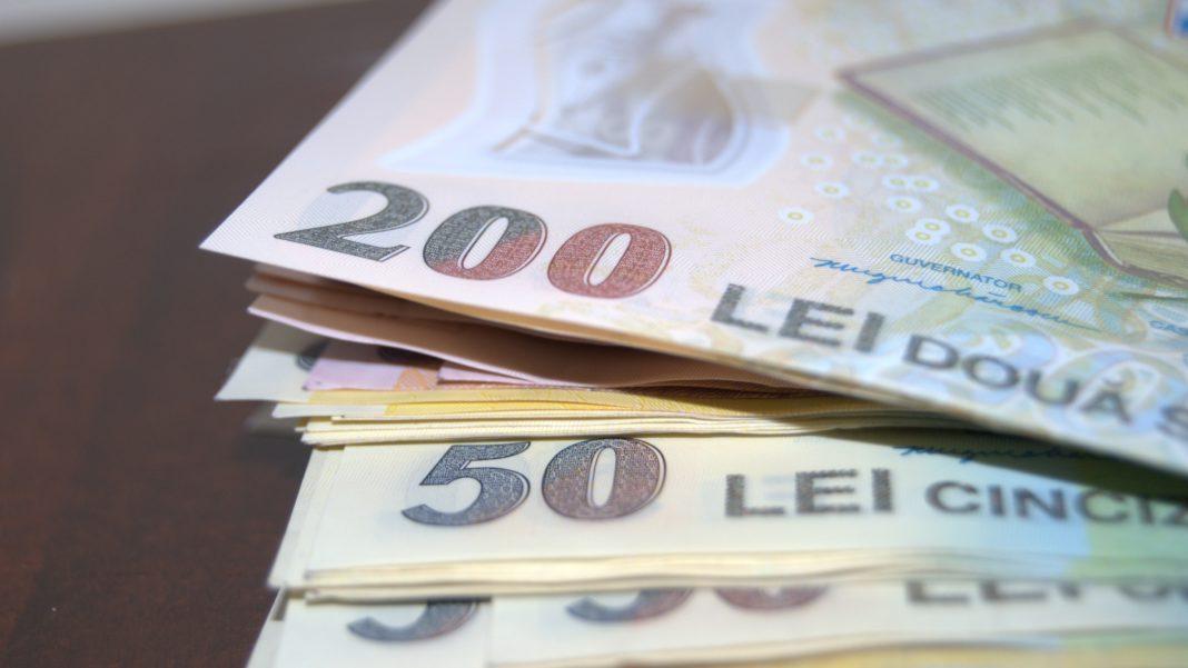 Persoanele cărora le lipsesc ani din stagiul de cotizare pot plăti retroactiv contribuţia la pensie