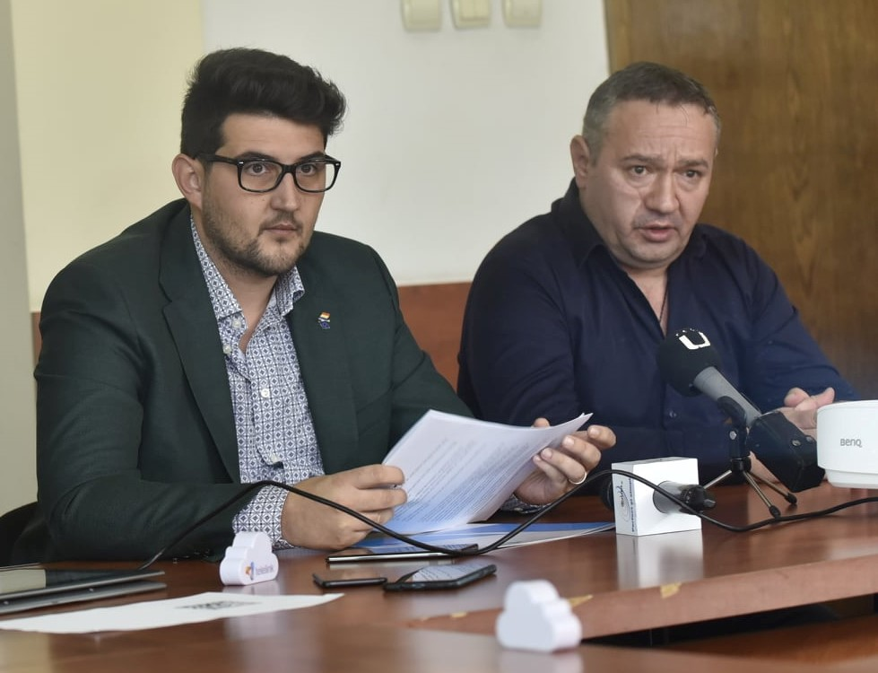 Sorin Manda (stânga) și Marcel Tănăsescu, directorii de la RAT SRL