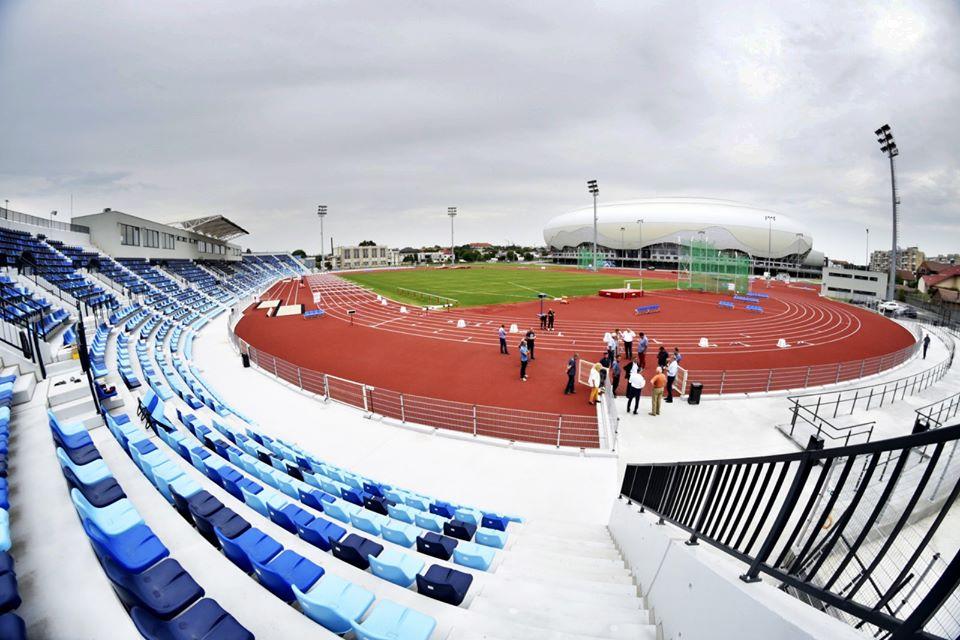 Ce-i mai trebuie stadionului de atletism. Unic în România. Aşa arată stadionul de atletism din Craiova.