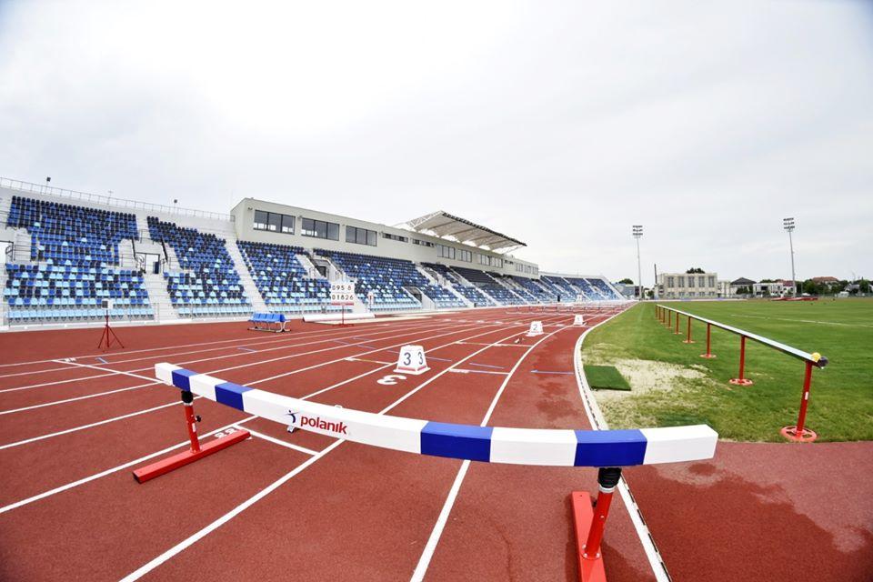 Unic în România. Aşa arată stadionul de atletism din Craiova.