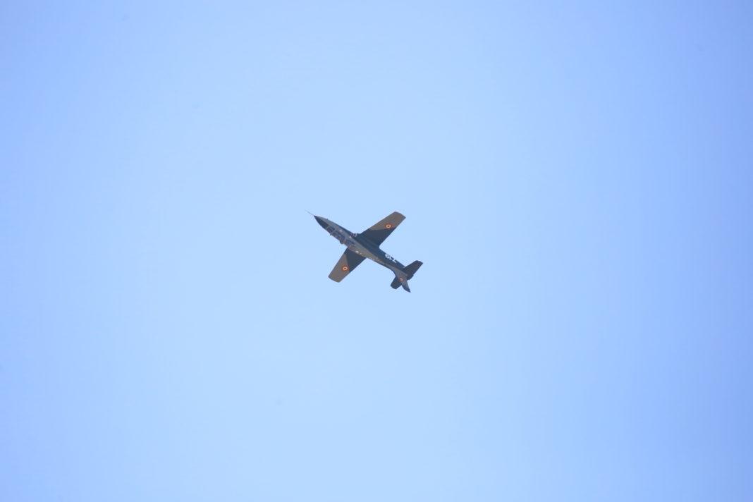 Zece avioane IAR-99 vor fi modernizate la Craiova cu 68 milioane de euro