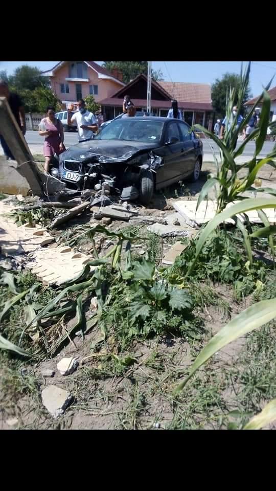 O minoră, victima unui accident din Malu Mare