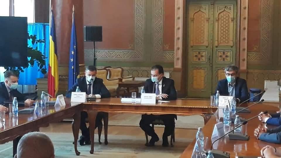 Ludovic Orban a declarat duminică, în cadrul unei vizite de lucru în Gorj, că va rezilia contractul pentru măștile persoanelor vulnerabile