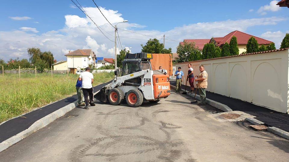 Lucrări de asfaltare prezentate de primarul Craiovei pe pagina sa de Facebook
