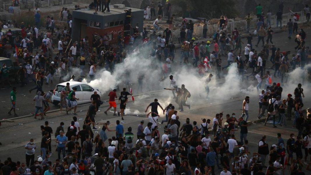 Mii de libanezi au ieşit din nou în stradă