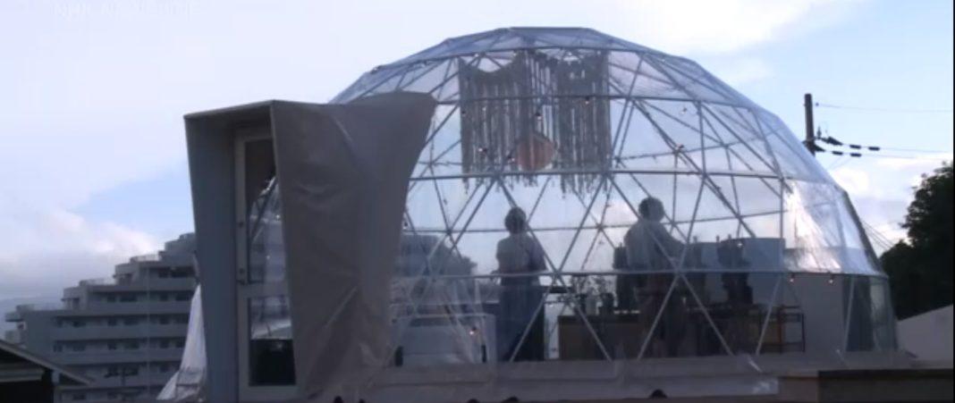Japonezii care vor să își petreacă vacanța în siguranță au la dispoziție campinguri de lux, glamping