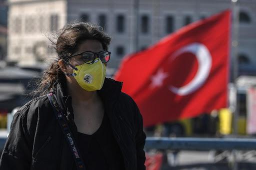 În Turcia, numărul total de cazuri de infecții cu COVID-19 depăşeşte 250.000