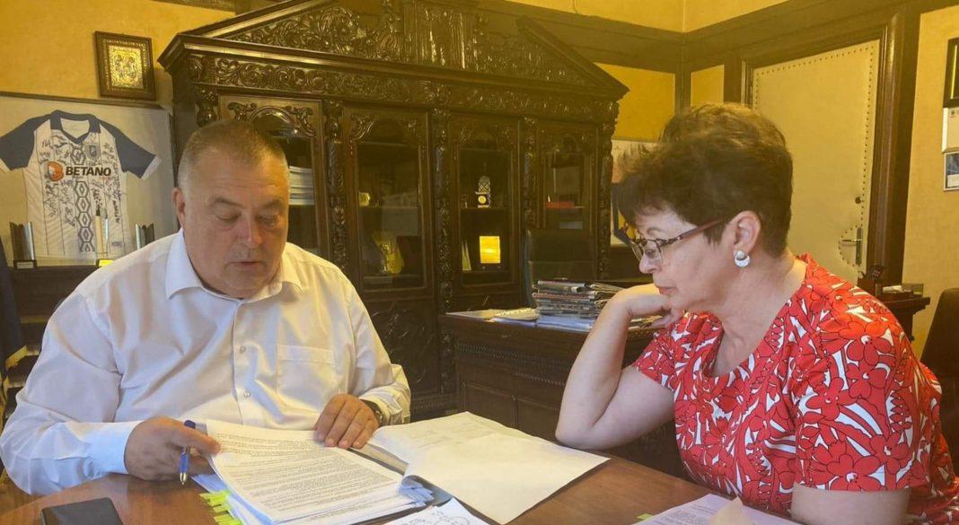 Primarul Mihail Genoiu a semnat contractul de proiectare străpungerea în Calea București a străzii Traian Lalescu
