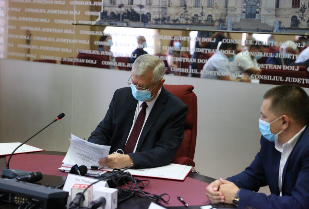 CJ Dolj a atribuit, recent, contractele de lucrări pentru modernizarea DJ 561A Giurgița - Moțăței - Plenița - limita cu județul Mehedinți. Urmează și DJ 561B, Horezu Poenari - Padea.