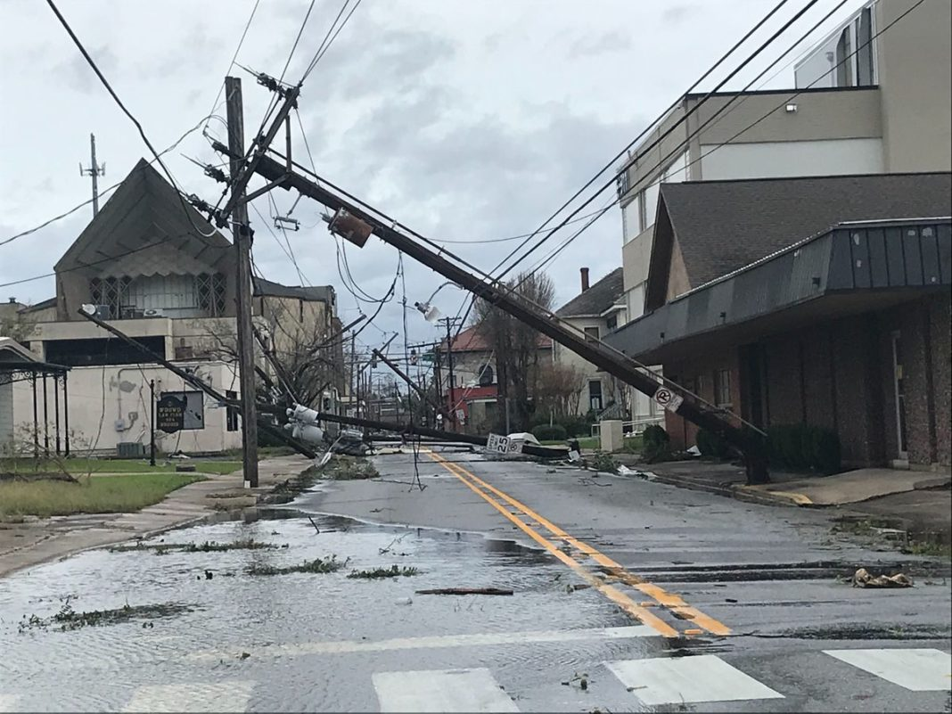 Uraganul Laura a făcut şase victime