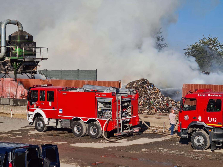 Ultimă oră! Incendiu la o fabrică de pâine din Chitila ...  |Incendiu Chitila