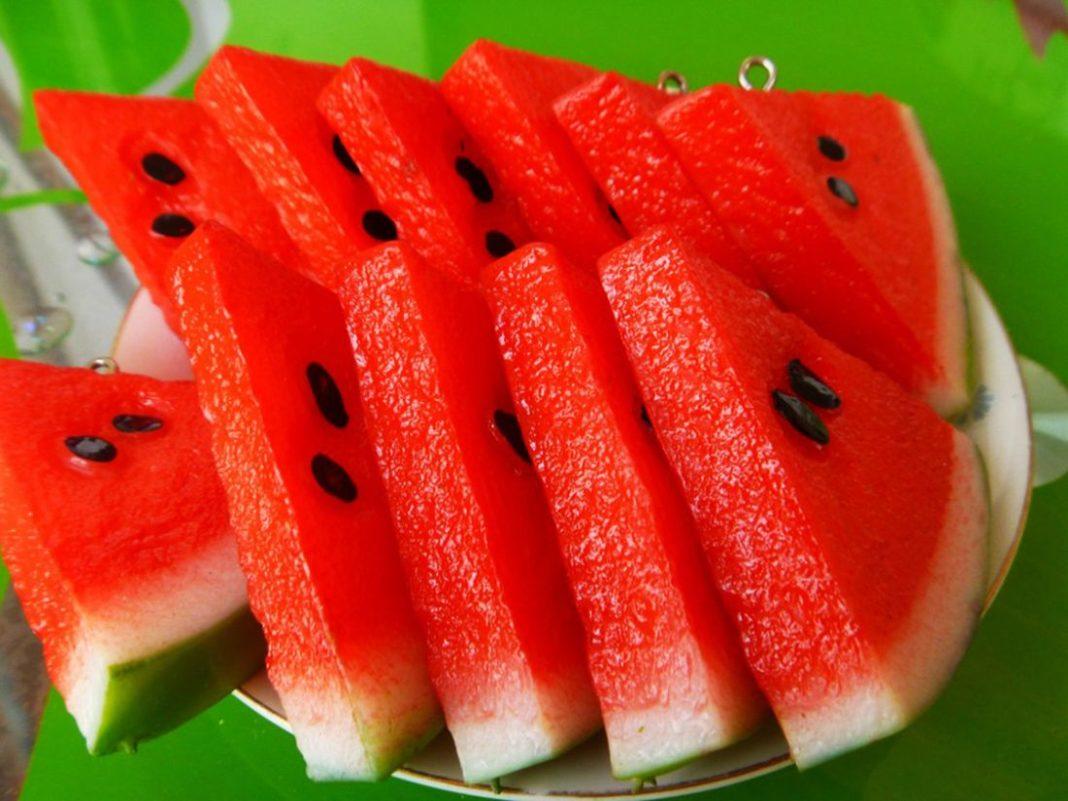 Pepenele roșu, cel mai bun fruct al verii
