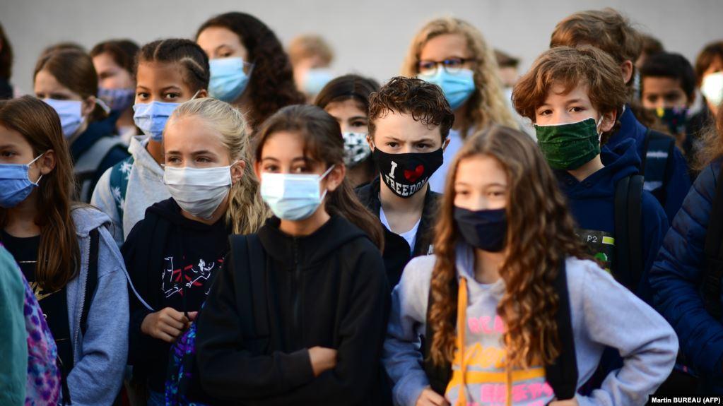 În Franța au fost închise peste 80 de şcoli