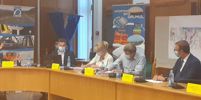 Contractul pentru ultimele tronsoane ale drumului expres Piteşti-Craiova a fost semnat ieri de CNAIR și constructor