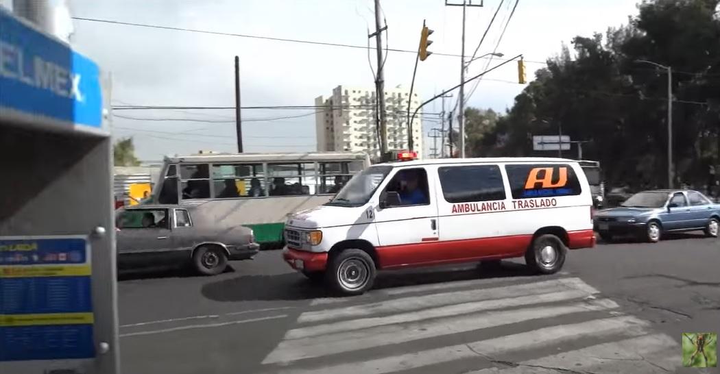 Ambulante COVID-19 false în Mexic