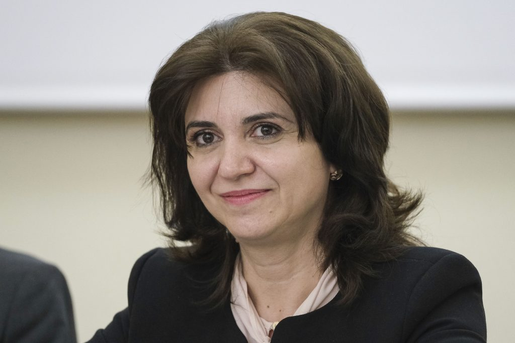 Monica Anisie, ministrul Educaţiei