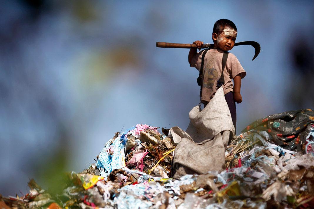 Peste un miliard de copii trăiesc în sărăcie pe tot globul
