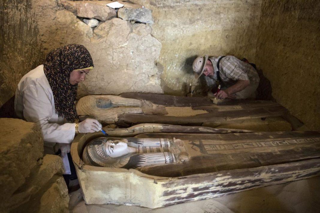 27 de sarcofage bine conservate, descoperite în Egipt