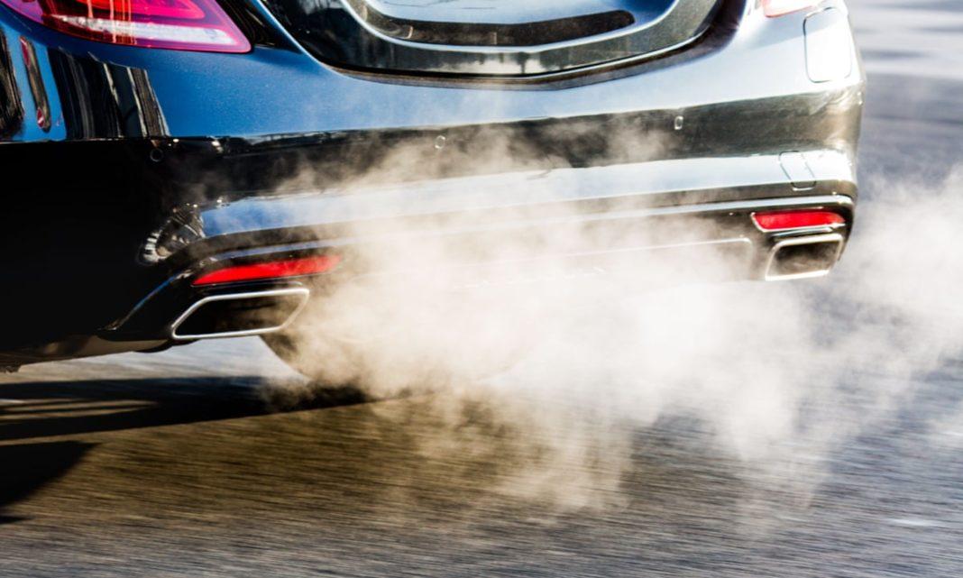 Comisia Europeană va propune limite mult mai ambiţioase pentru emisiile automobilelor