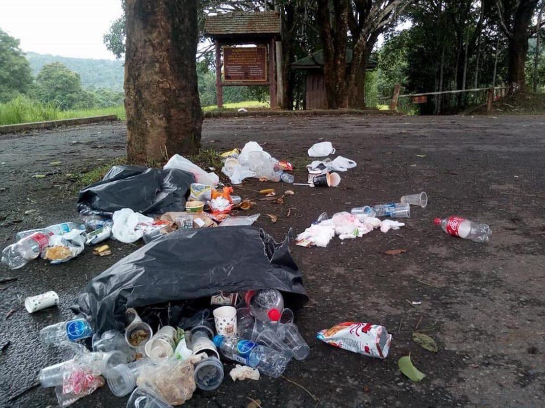 În Thailanda, cine aruncă gunoi în parc, îl primeşte acasă prin poştă