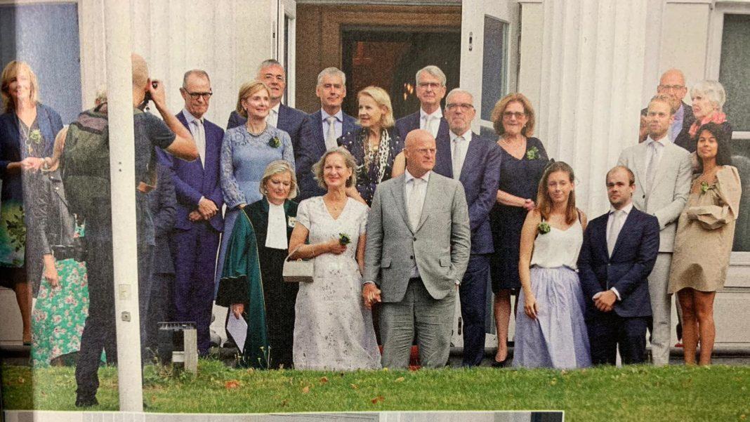 Ministrul Justiţiei olandez, amendat pentru că nu a respectat distanţarea socială la nunta sa