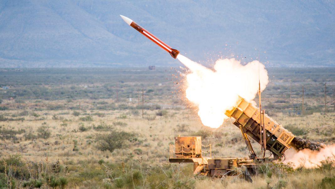 Primele rachete sol-aer PATRIOT din cele șapte sisteme cumpărate de România, produse de companiile americane Raytheon și Lockheed-Martin, au sosit în țară luna trecută