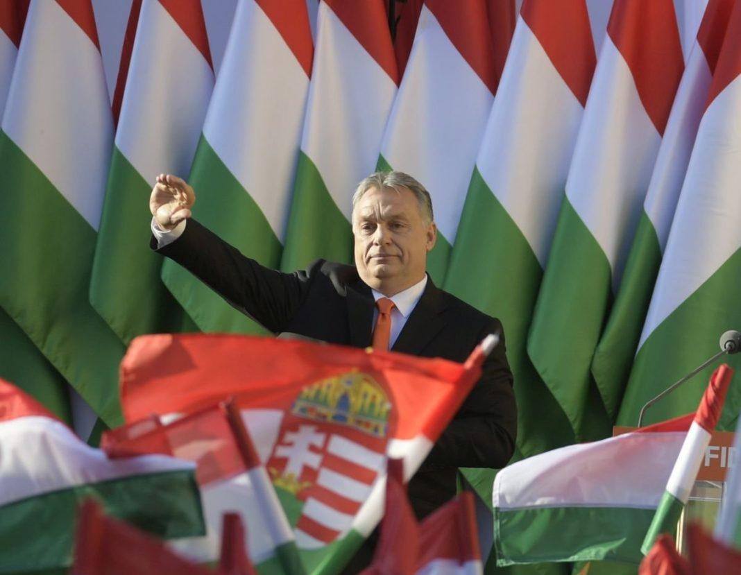 Contul de Twitter al guvernului ungar a fost suspendat
