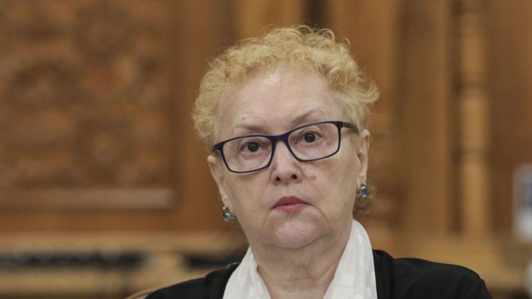 CCR a respins sesizarea Avocatului Poporului: Sunt constituționale atât internarea obligatorie, cât și detașarea medicilor