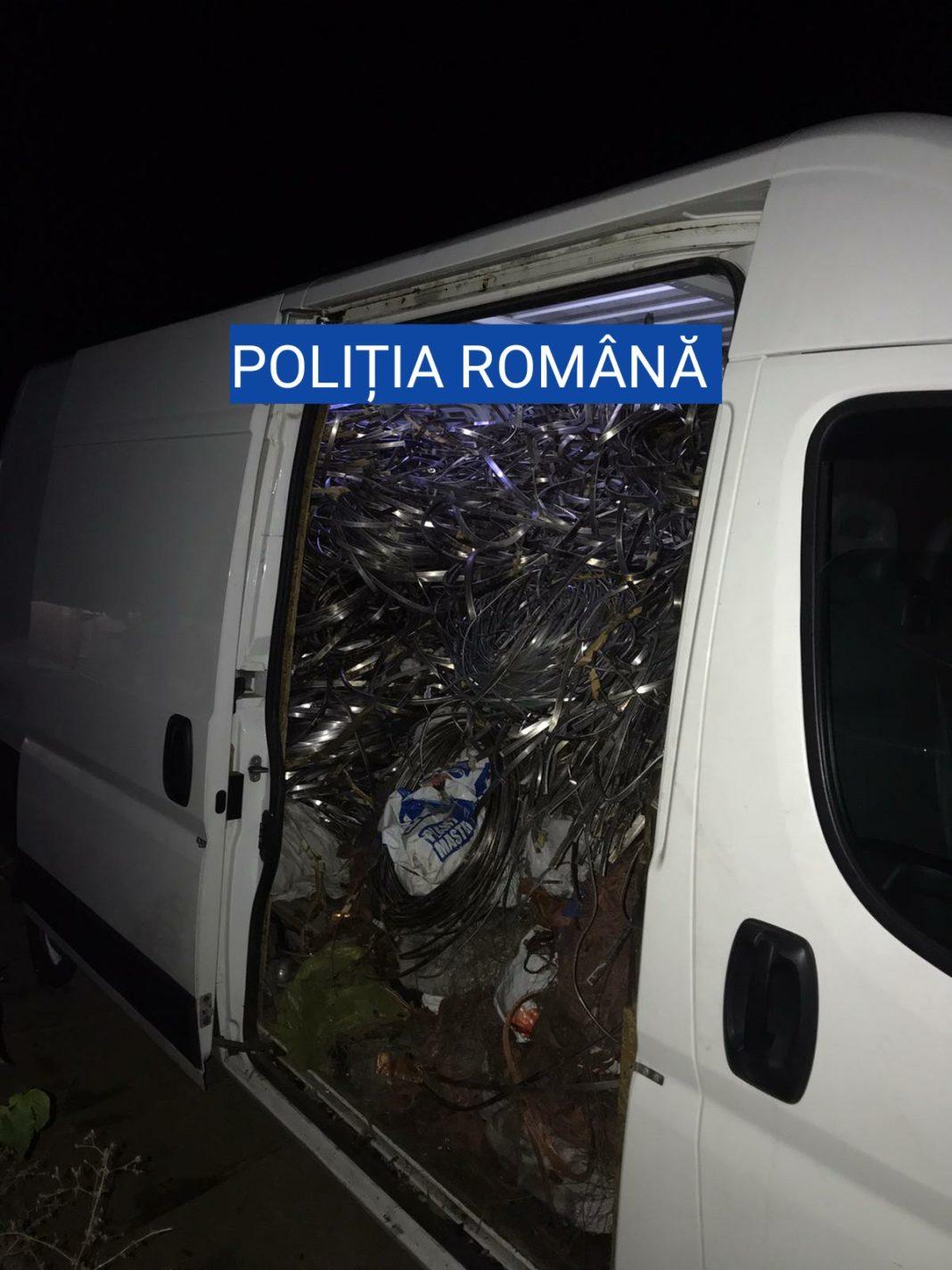 Un bărbat, de 37 de ani, din Craiova, a fost sancționat de polițiștii olteni, după ce a fost prins cu un transport ilegal de deșeuri