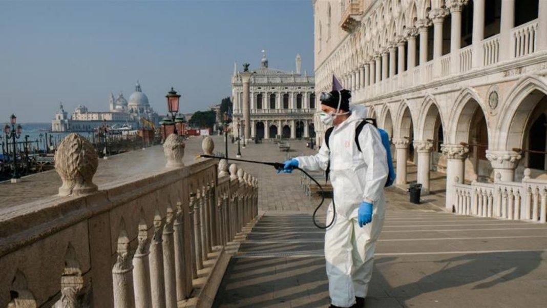 Italia înregistrează 17.012 noi cazuri de coronavirus în ultimele 24 de ore și 141 decese