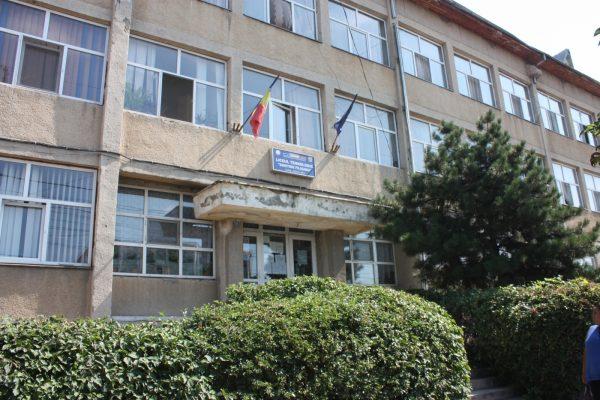 Comitetul pentru Situaţii de Urgenţă Dolj va decide scenariile din şcoli