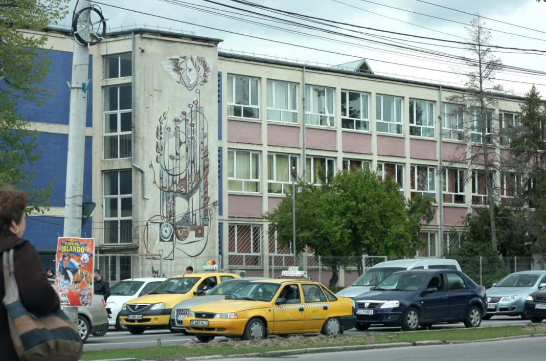Liceul de Arte din Craiova se închide