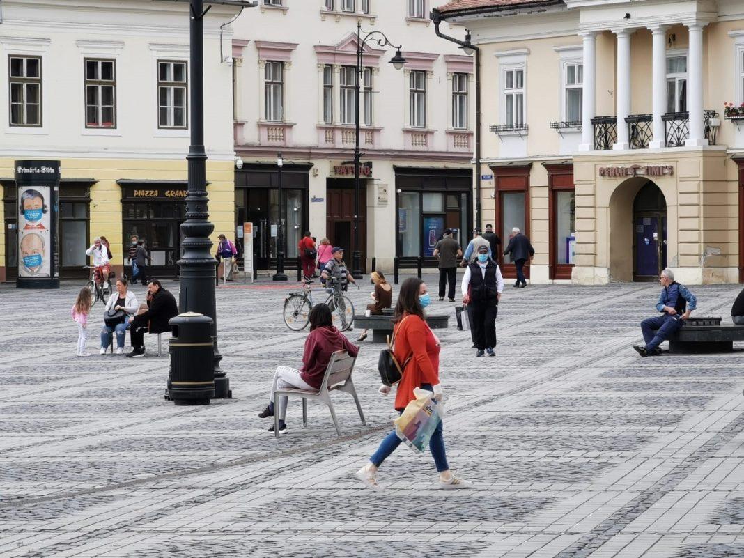 În patru localităţi din Sibiu, purtarea măştii în spaţiile publice este obligatorie