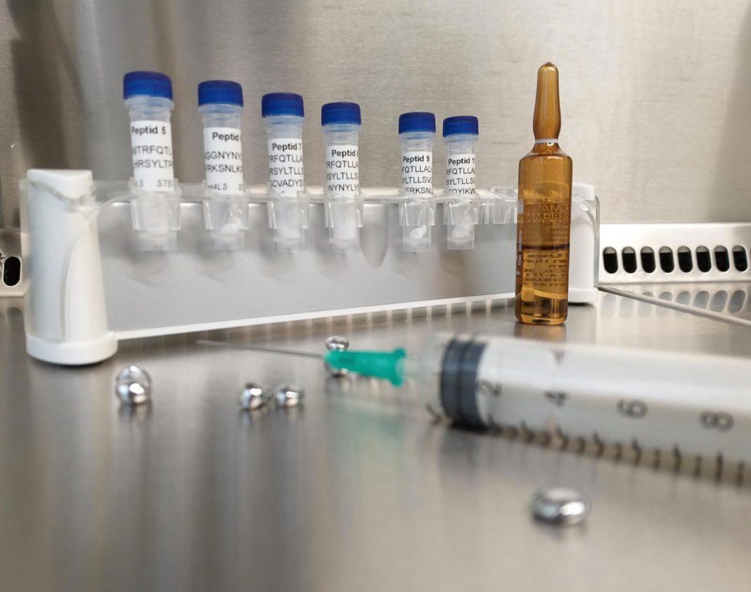 Va începe vaccinarea personalului medical de săptămâna viitoare, în Marea Britanie