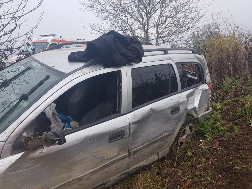 Accident rutier în Olt, un bărbat băut a ieșit cu autoturismul în afara carosabilului