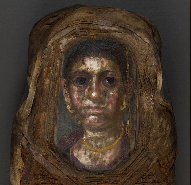 O mumie a unui copil, studiată cu ajutorul laserelor