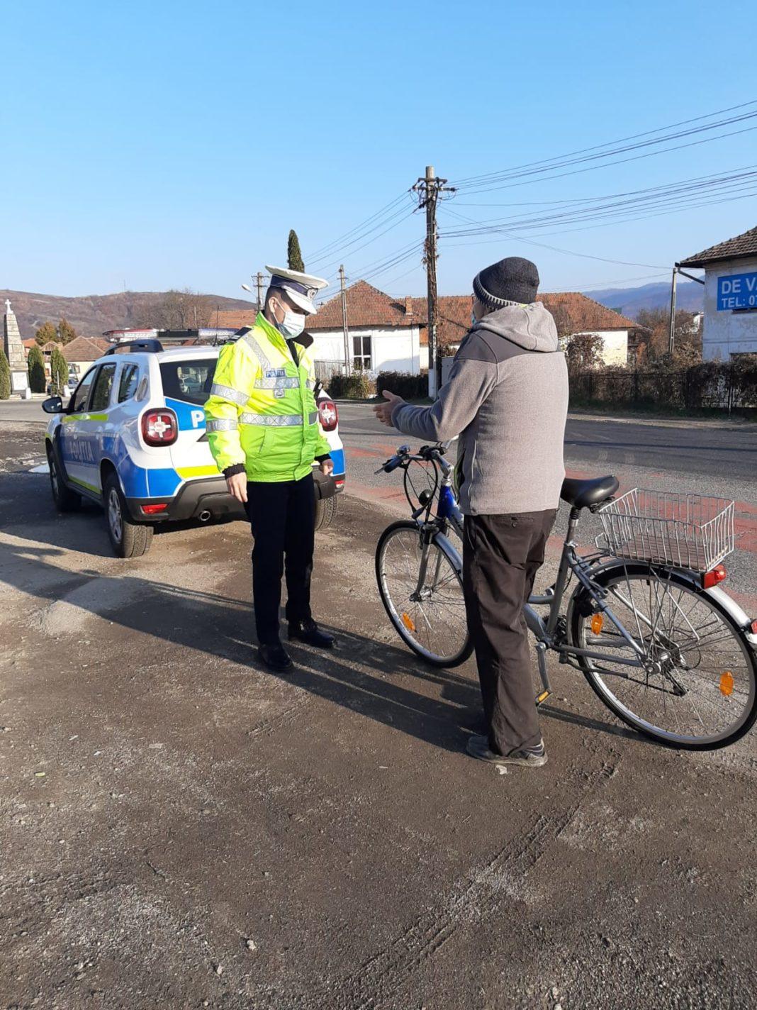 Polițiștii Serviciului Rutier Vâlcea au acționat, ieri, pe tronsoanele de drum cu risc rutier și au verificat bicicliștii din trafic