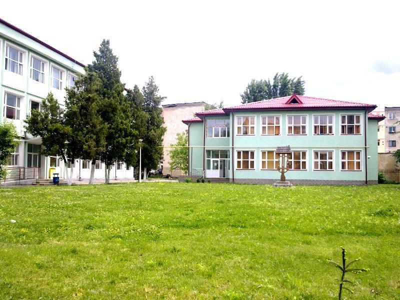 Liceul Teologic Sfantul Nicodim participă la concursul internaţional de traduceri ,,Juvenes Translatores