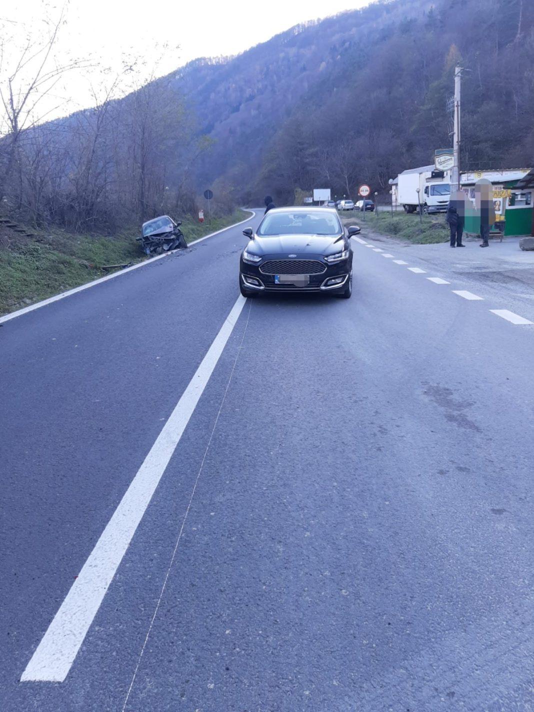 Un accident rutier a avut loc în urmă cu puțin timp în zona Balta Verde, județul Vâlcea, în urma căruia o persoană a fost rănită