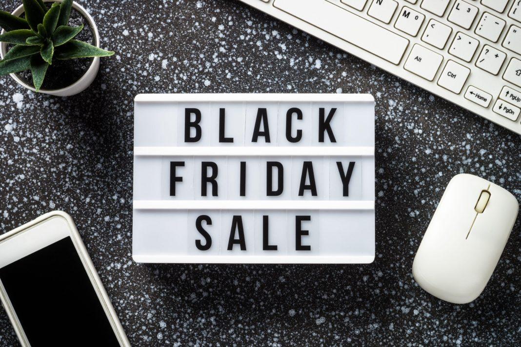 eMag a anunțat că stocurile pentru unele televizoare s-au epuizat la doar câteva minute de la începutul Black Friday