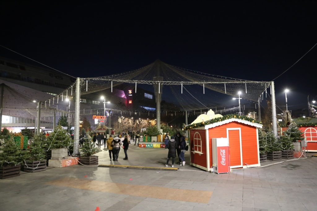 Comercianții din Târgul de Crăciun au fost închiși/foto: Claudiu Tudor