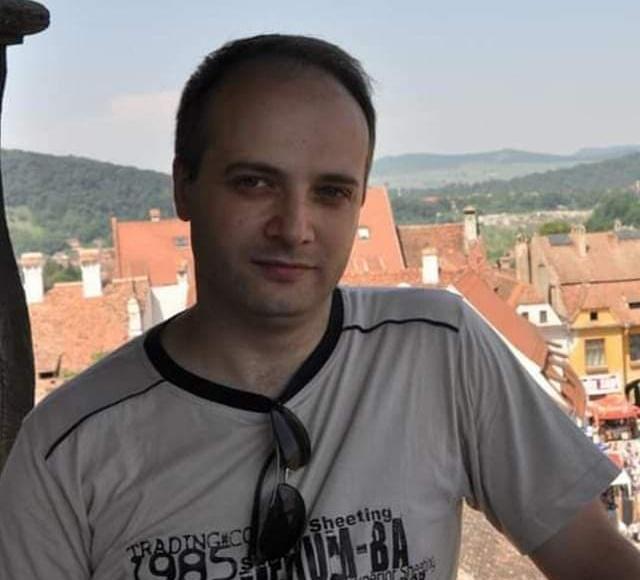 Starea medicului-erou Ioan Cătălin Denciu, rănit în incendiul de la Piatra Neamţ, este intubat, stabil şi urmează un tratament specific