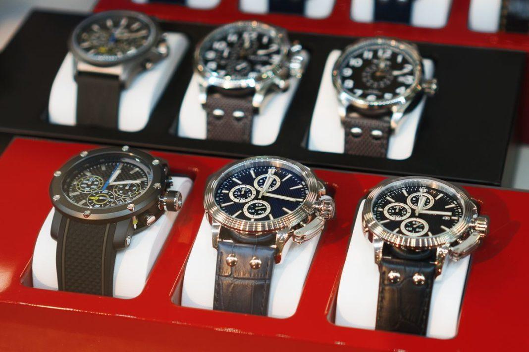 Colecție de ceasuri în valoare de 5 milioane de euro, furată din Italia
